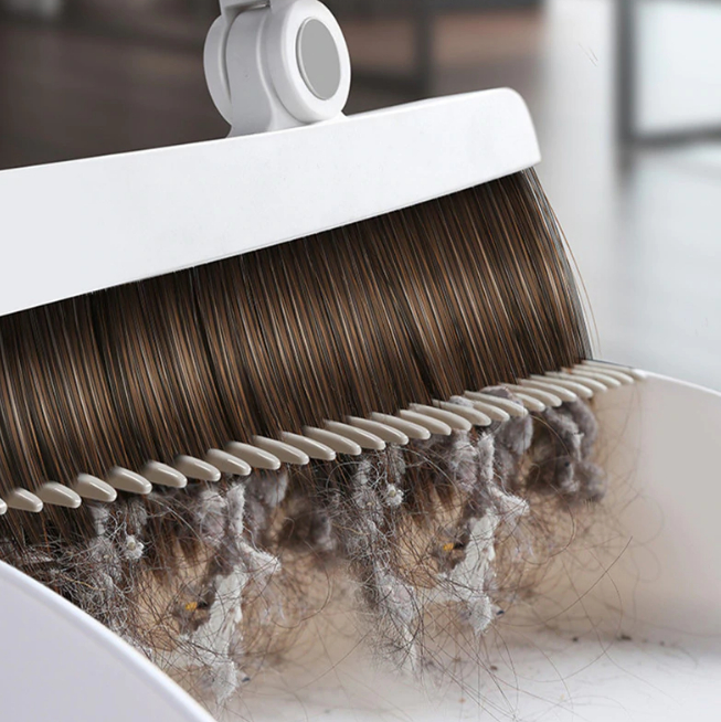 Built-In Comb Rotating Broom